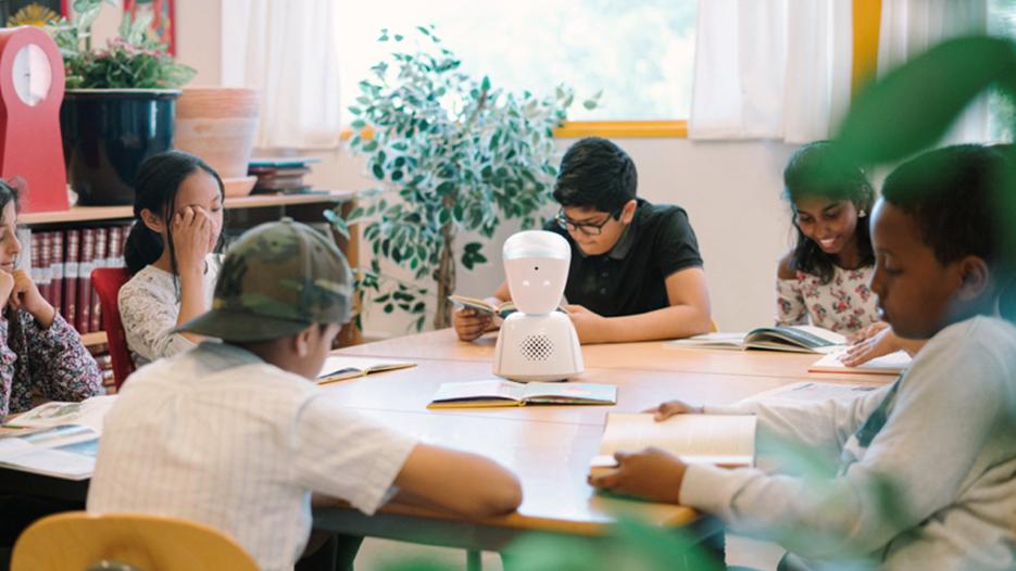 Stavanger Kommune Bekjemper Ensomhet I Skolen Med En Robot Atea